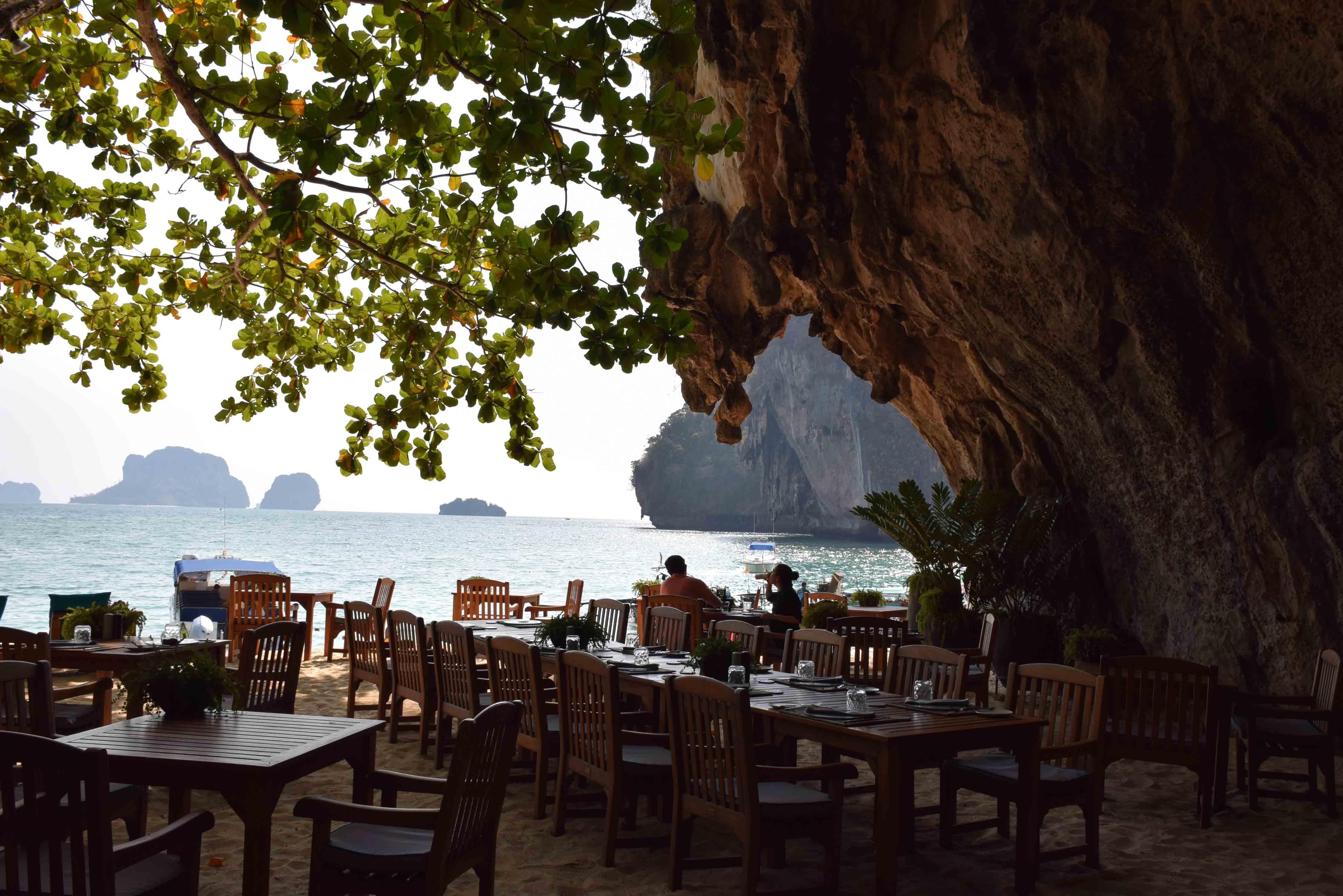 Restaurants KRABI Railay and Phranang Beach - THE GROTTO RAYAVADEE 02