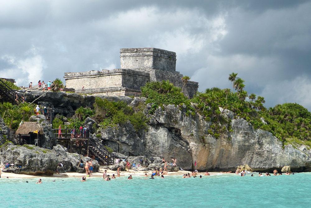 Castillo visto do mar   foto: bugbog.com