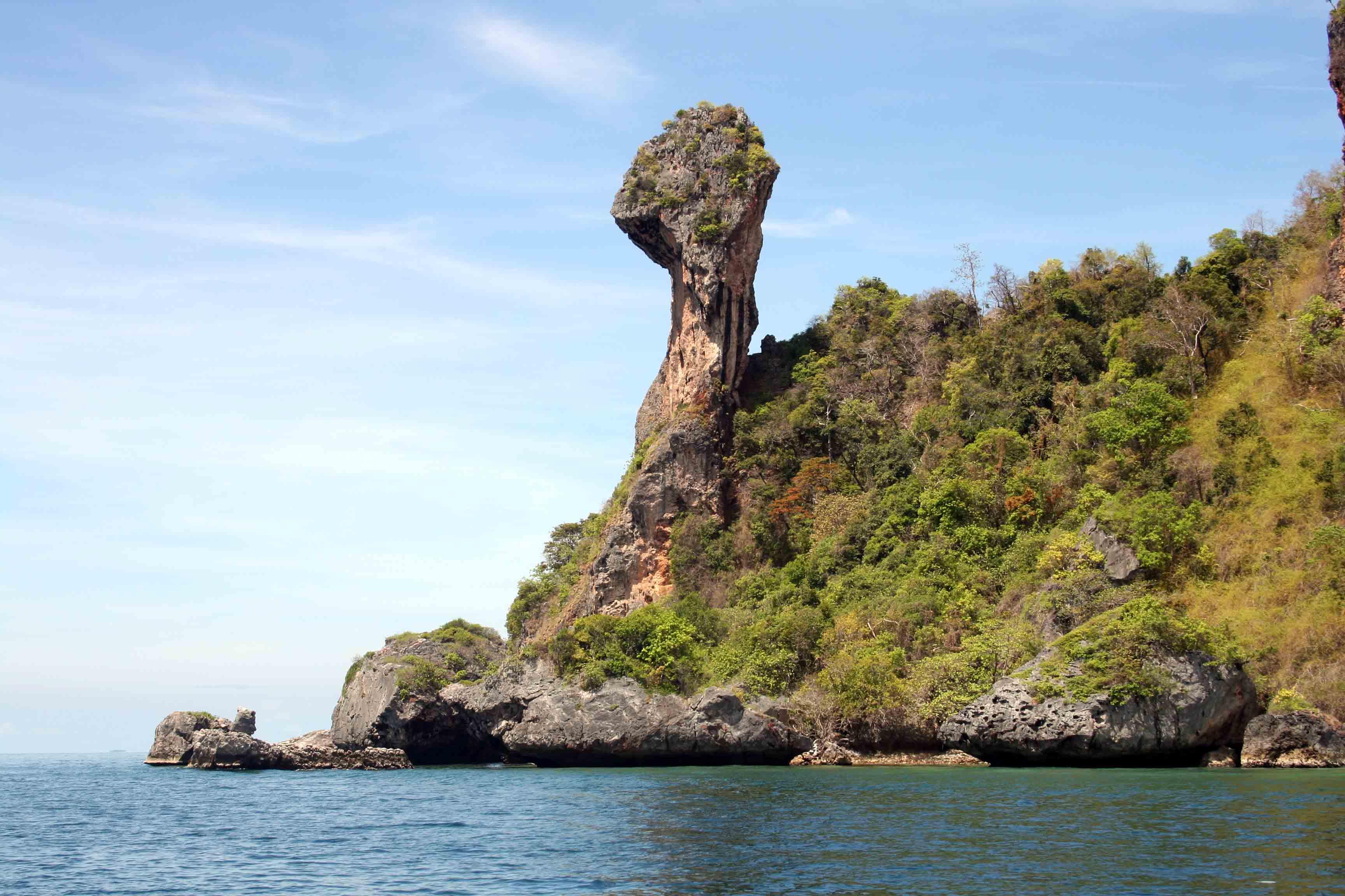 Chicken Island | foto: asianitinerary.com