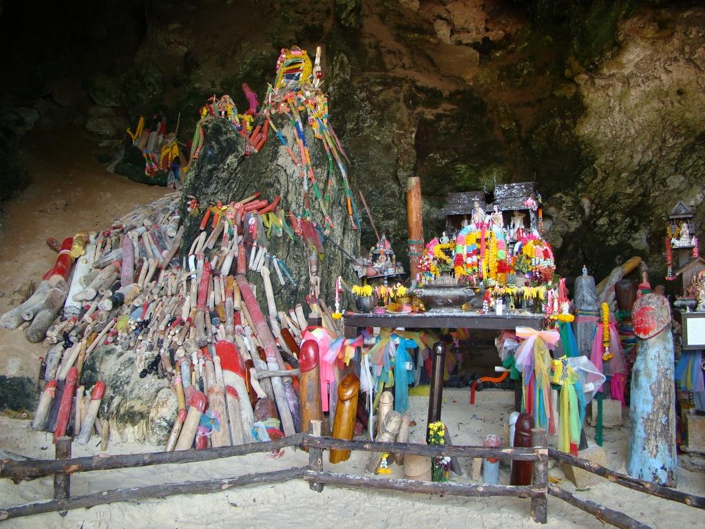 phra nang beach krabi penis temple