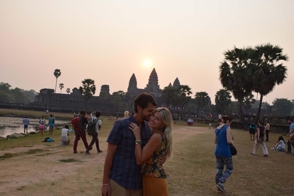 sunrise angkor wat temple cambodia siem reap