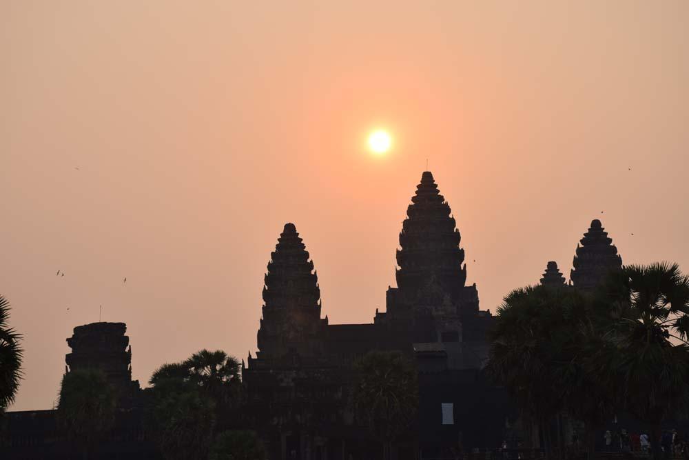 dicas viagem camboja - nascer do sol angor wat