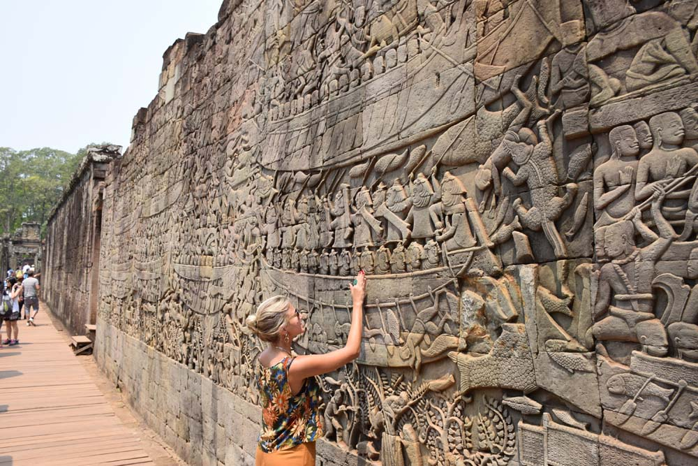 bayon angkor thom siem reap cambodia faces gigantes