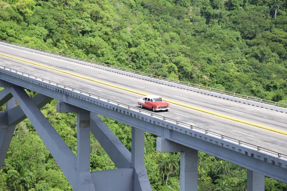 Puente de Bacunayagua cuba