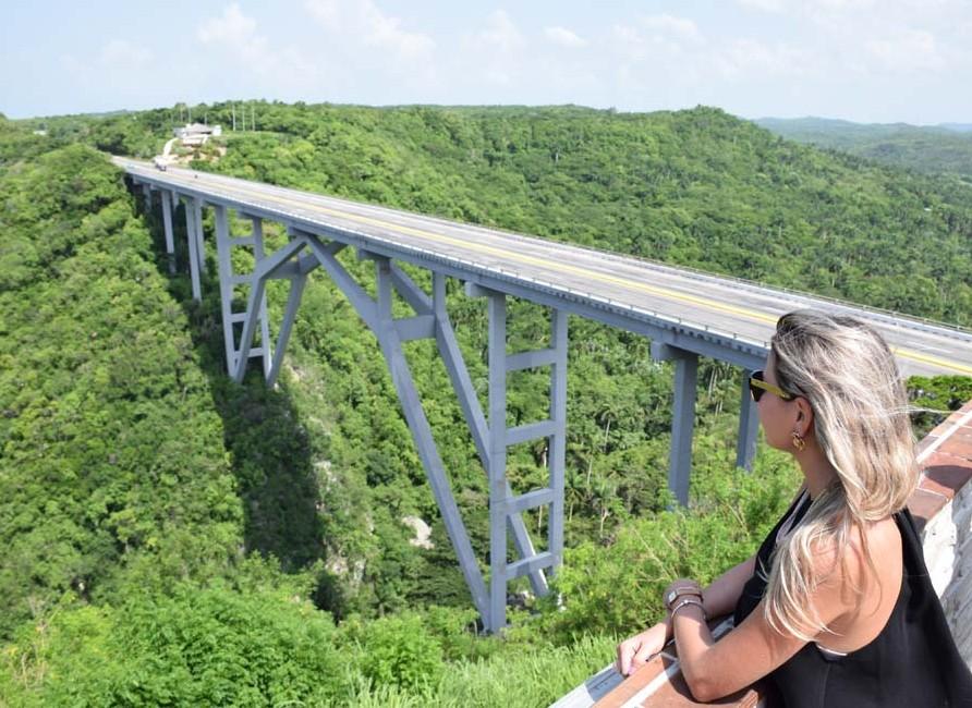 puente bacunayagua varadero matanzas havana cuba