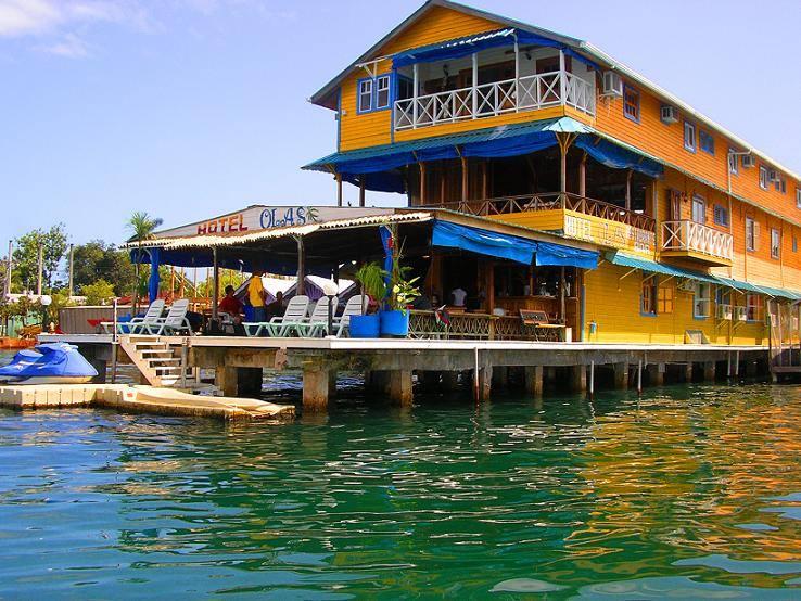 Hotel Olas visto do mar   foto: site