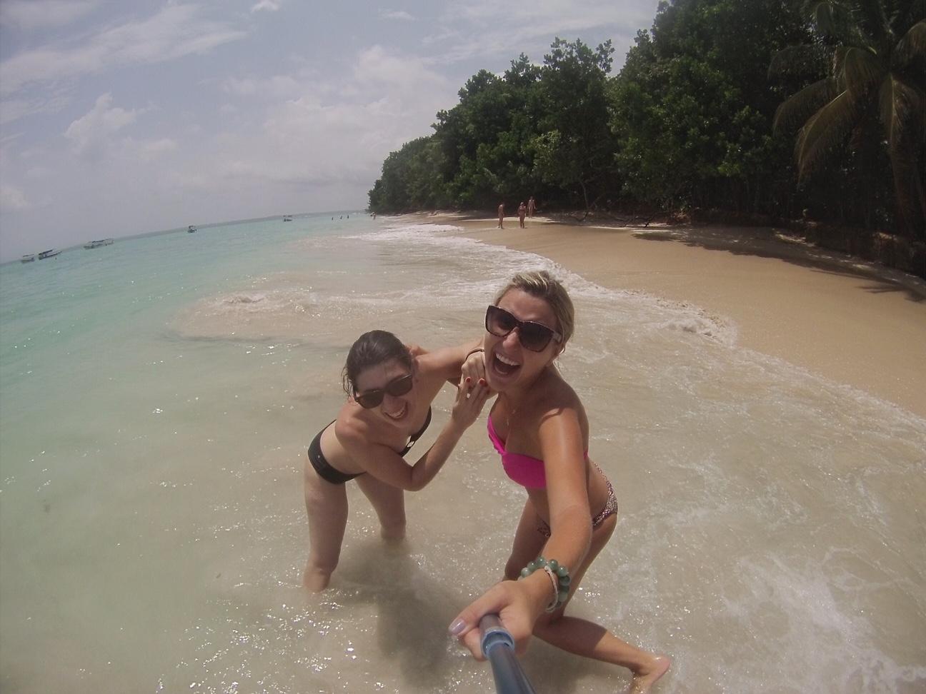 Eu e minha companheira de viagens, Livia!!