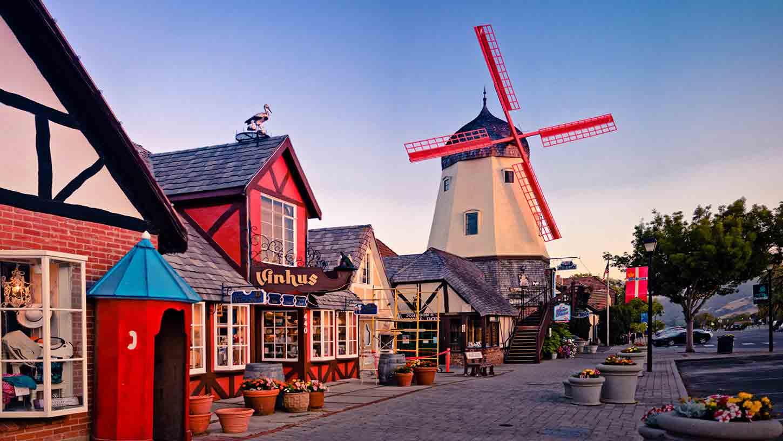 Solvang - mini-Dinamarca na Califórnia | foto: elverhoj.org