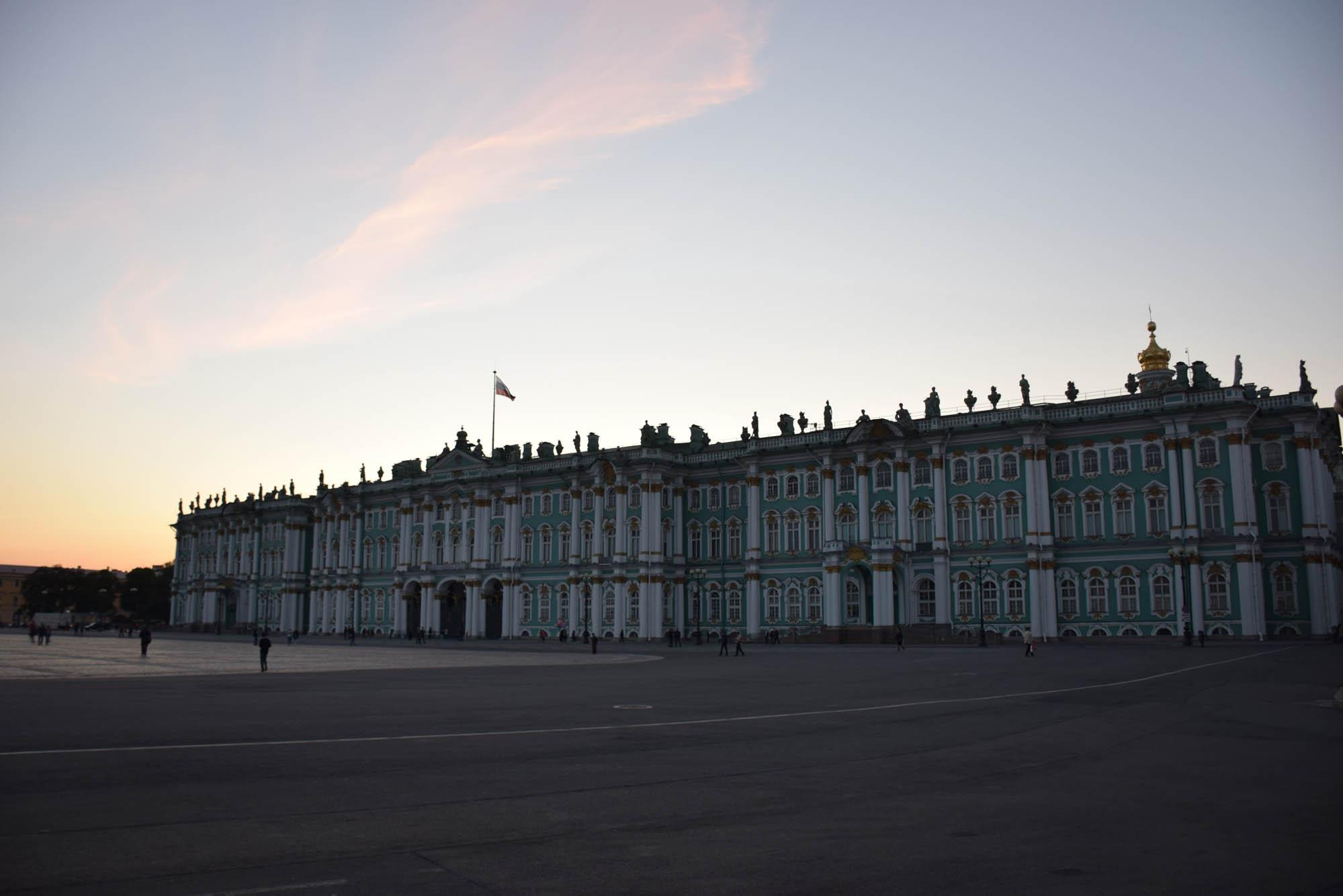 O Palácio de Inverno - edifício principal do Museu Hermitage - São Petersburgo