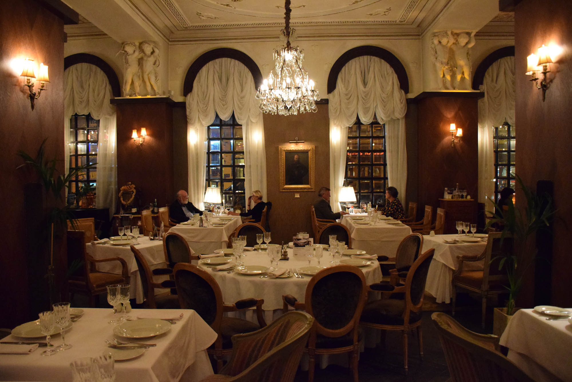 TZAR Restaurant st petersburg russia where to eat 02