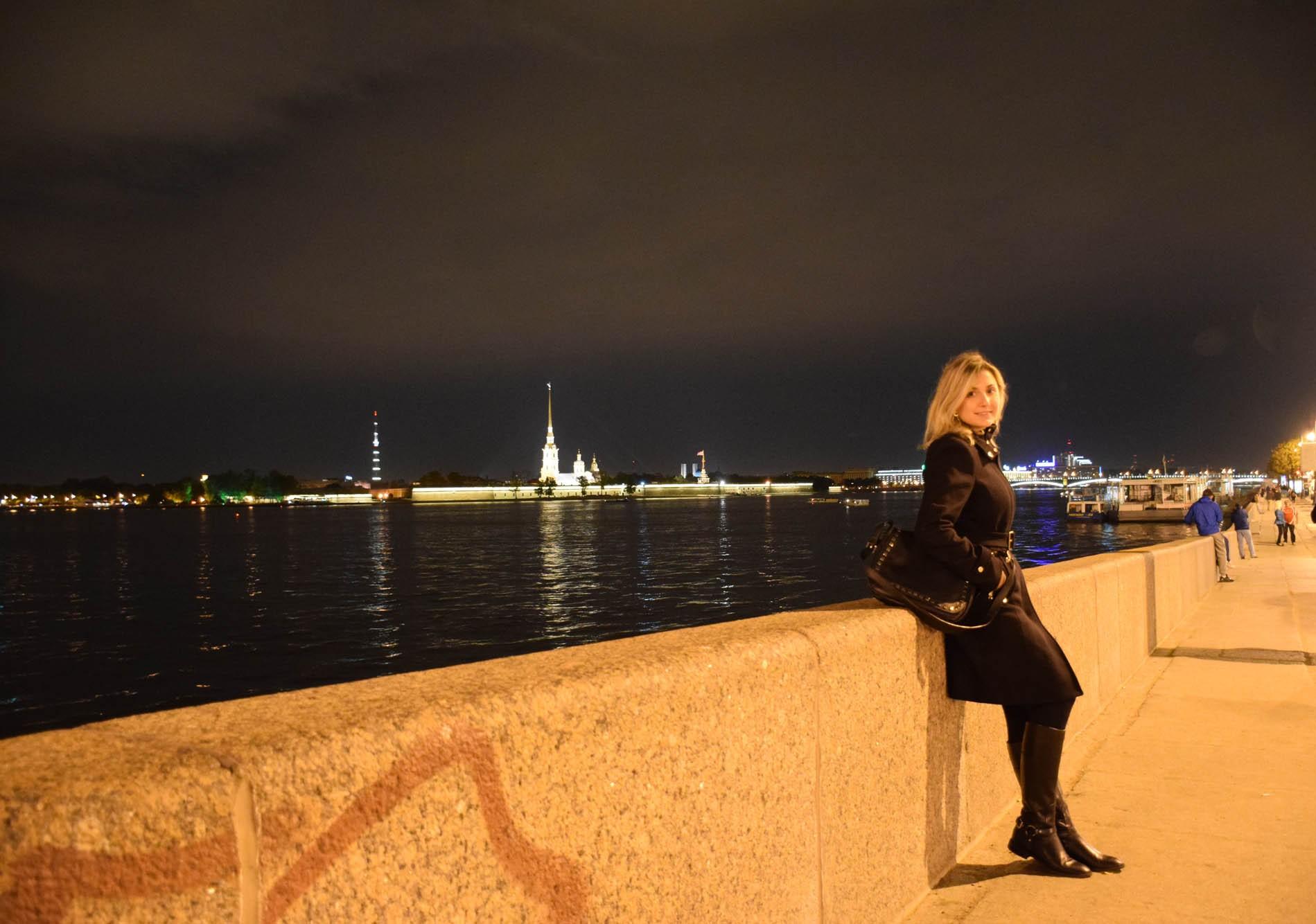 São Petersburgo by night - nas margens do Rio Neva