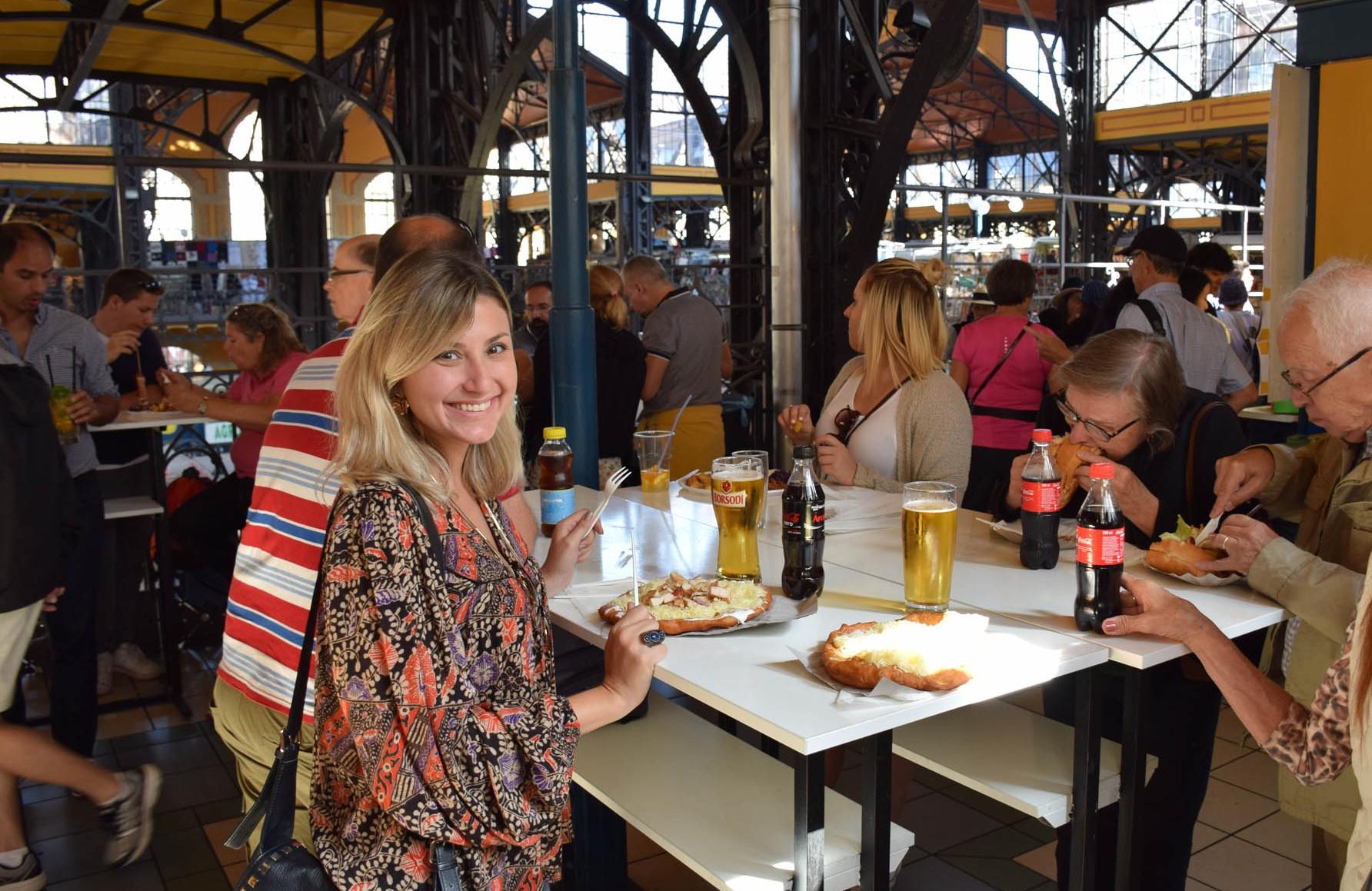 Provando Lángos! | Mercado Central de Budapeste