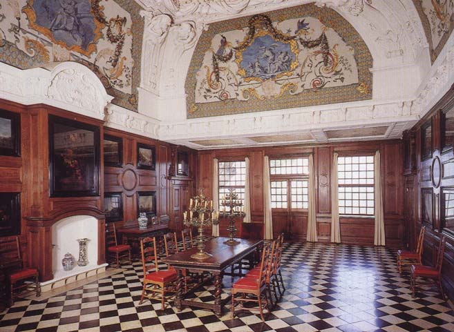 monplaisir palace peterhof 02