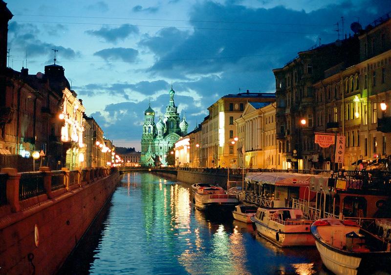 Uma NOITE durante o fenômeno das Noites Brandas | foto: privet-russia.com