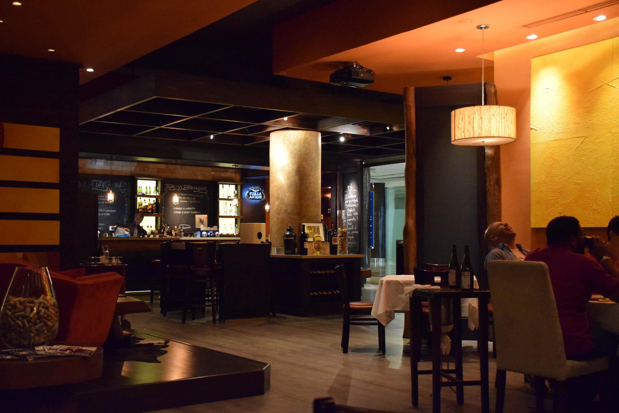 Restaurante espanhol (tapas) em Santo Domingo: Casa Ávila (5º andar do Blue Mall)