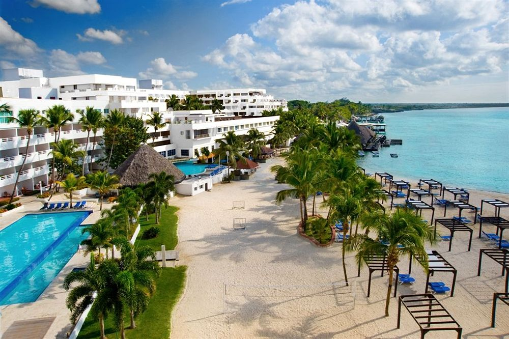 Hotel Be Live Experience Hamaca Beach em Boca Chica, Rep. Dominicana | foto: hotels.com