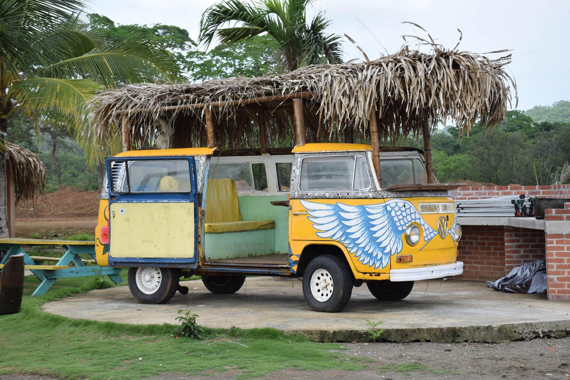A famosa Kombi do Selina Hostel Playa Venao