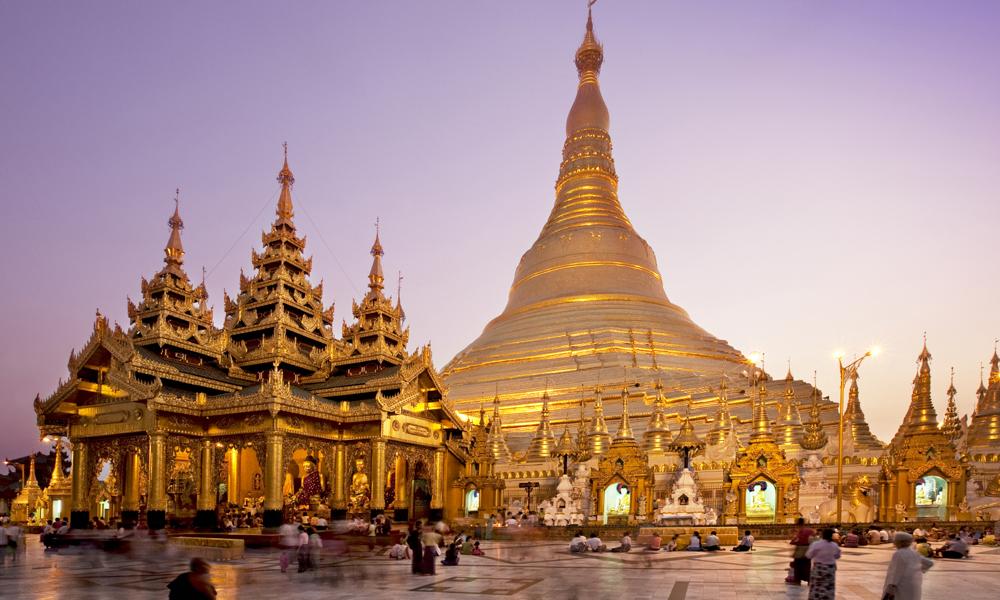 Shwedagon Pagoda (Golden Temple) em Yangon - Myanmar | foto: myanmartravelandtours.net