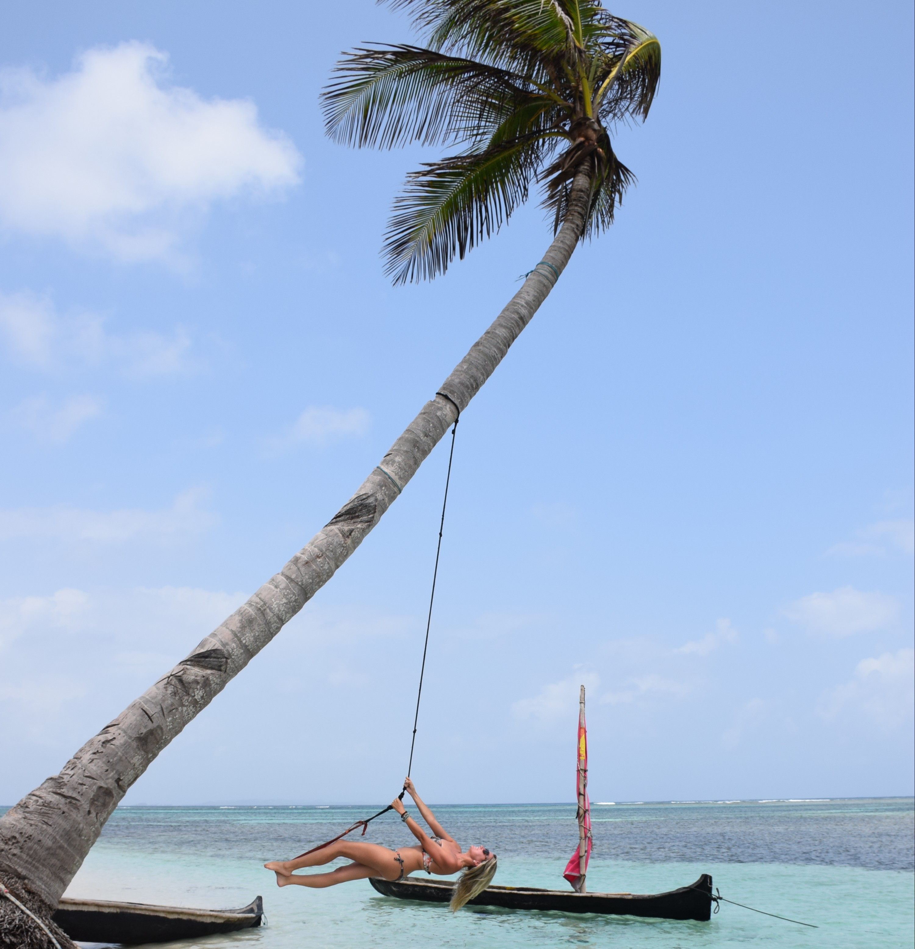 Macaquinha na Isla Chicheme Chico - San Blas - Panamá
