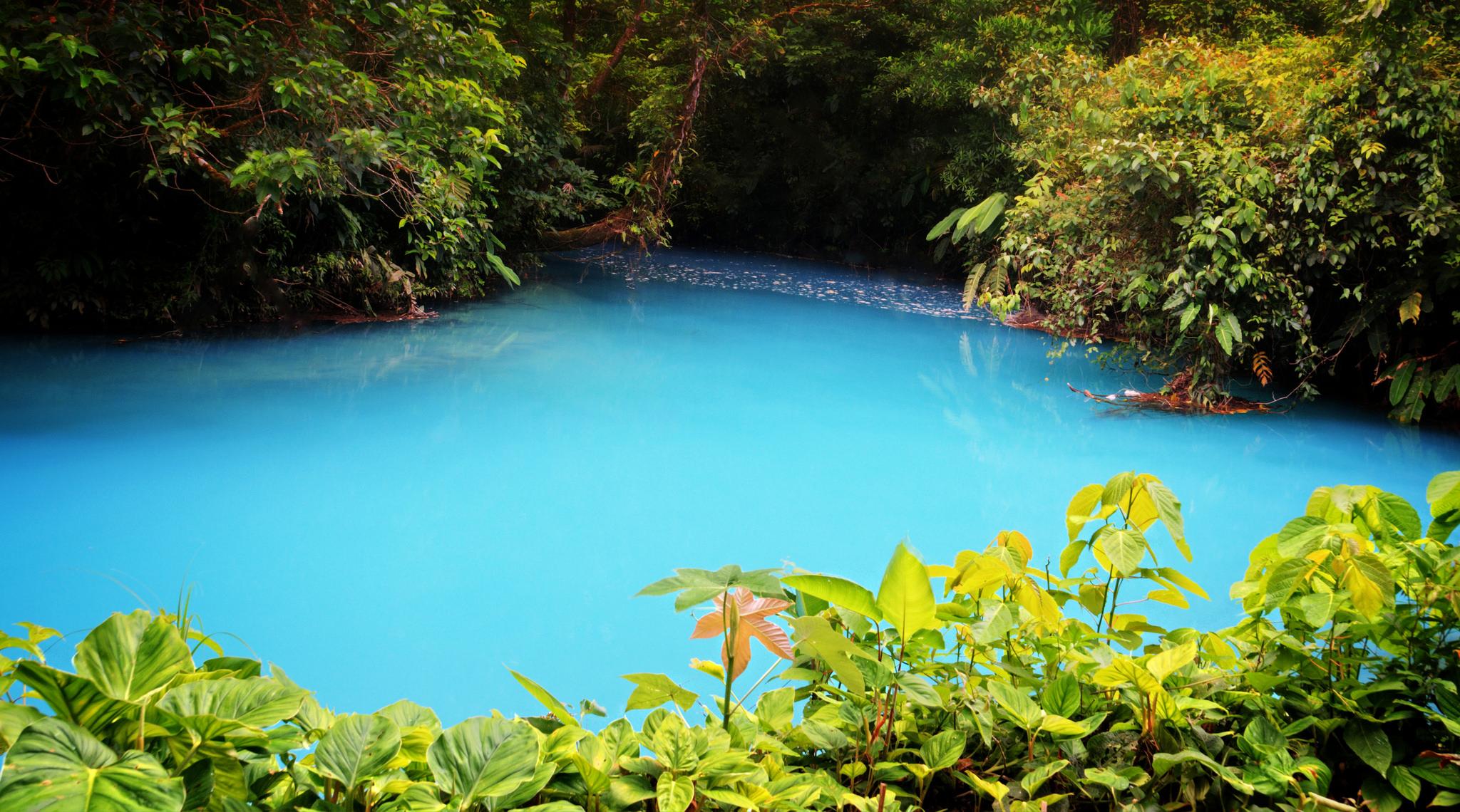 rio celeste costa rica tenorio vulcan