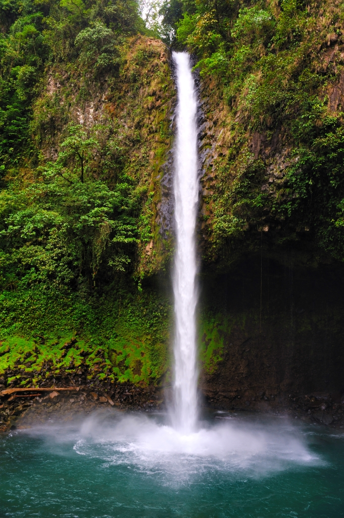 LA FORTUNA WATERFALL - ARENAL VOLCANO - COSTA RICA