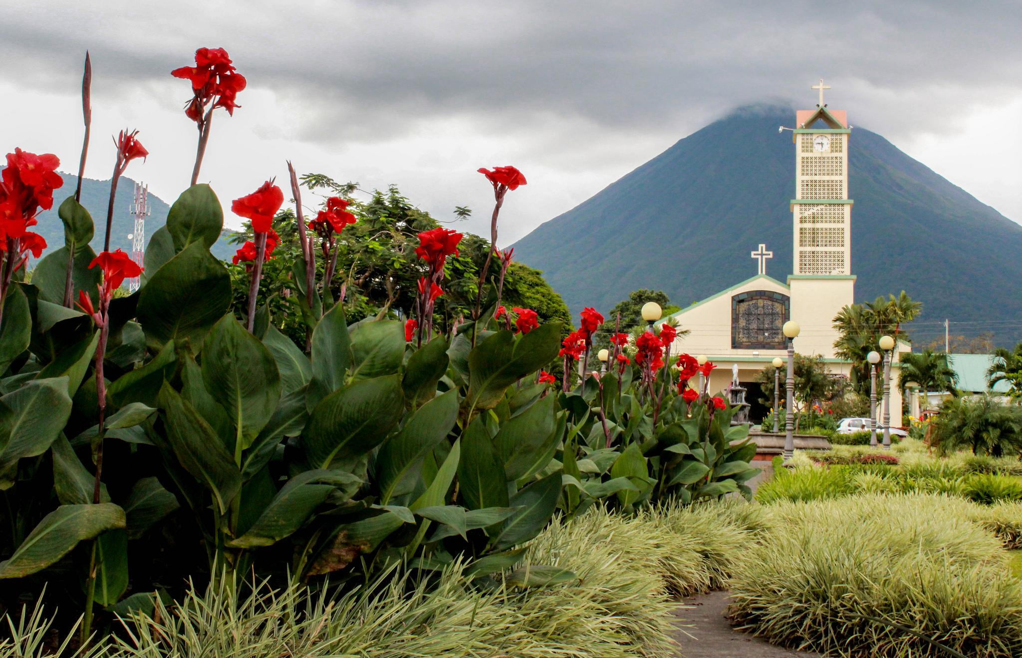 la fortuna town - arenal volcano - costa rica