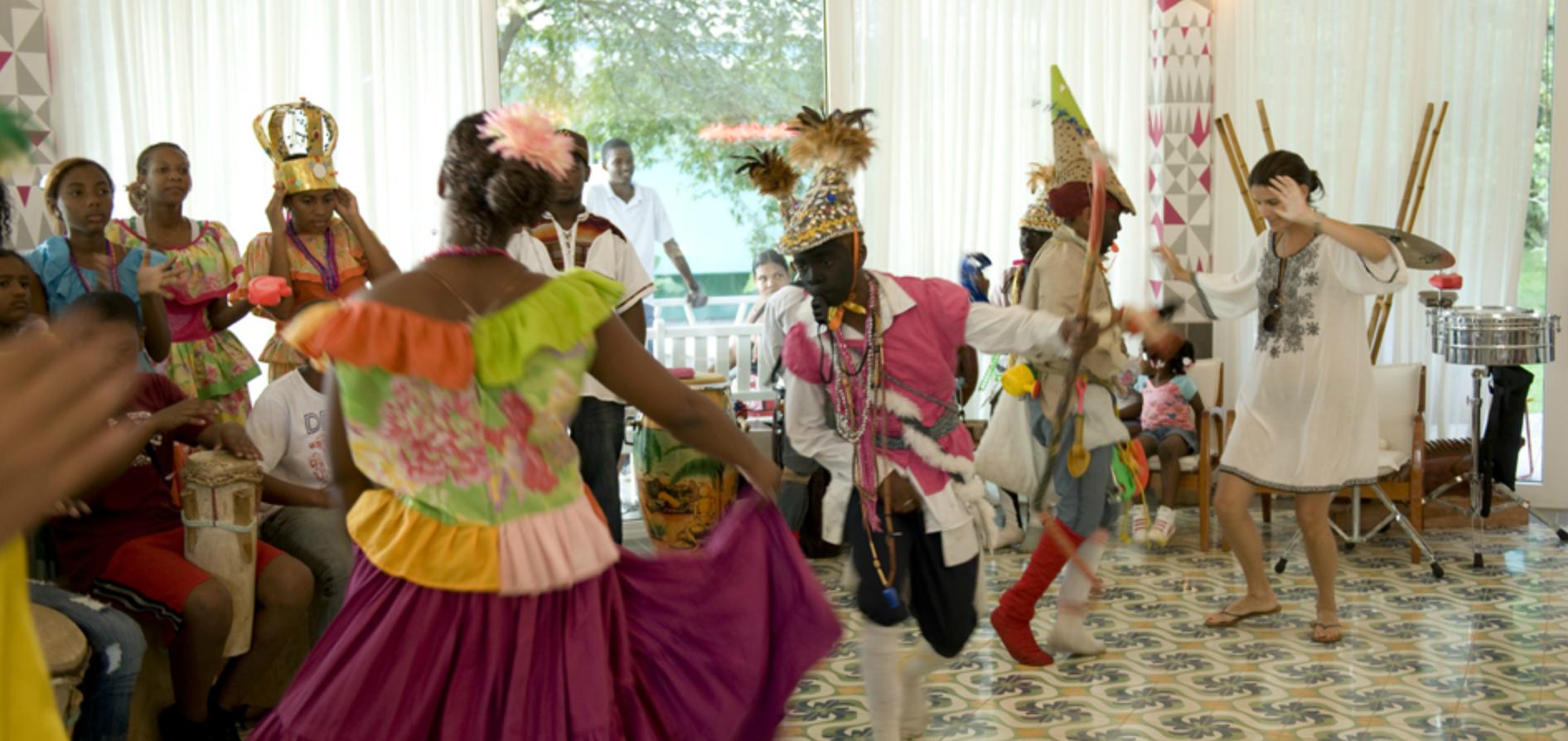 dança-típica-panama-congo-diablicos-hotel-el-otro-lado-portobelo