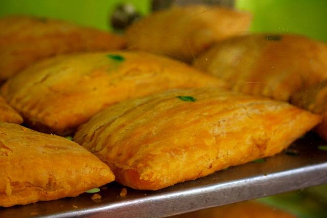 Jamaican Patty   por Meng He - Flickr (CC)