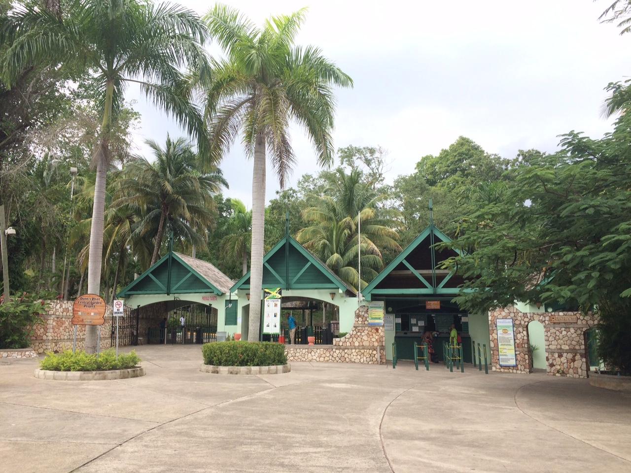 A bilheteria e entrada do parque Dunn's River Falls, Ocho Rios, Jamaica
