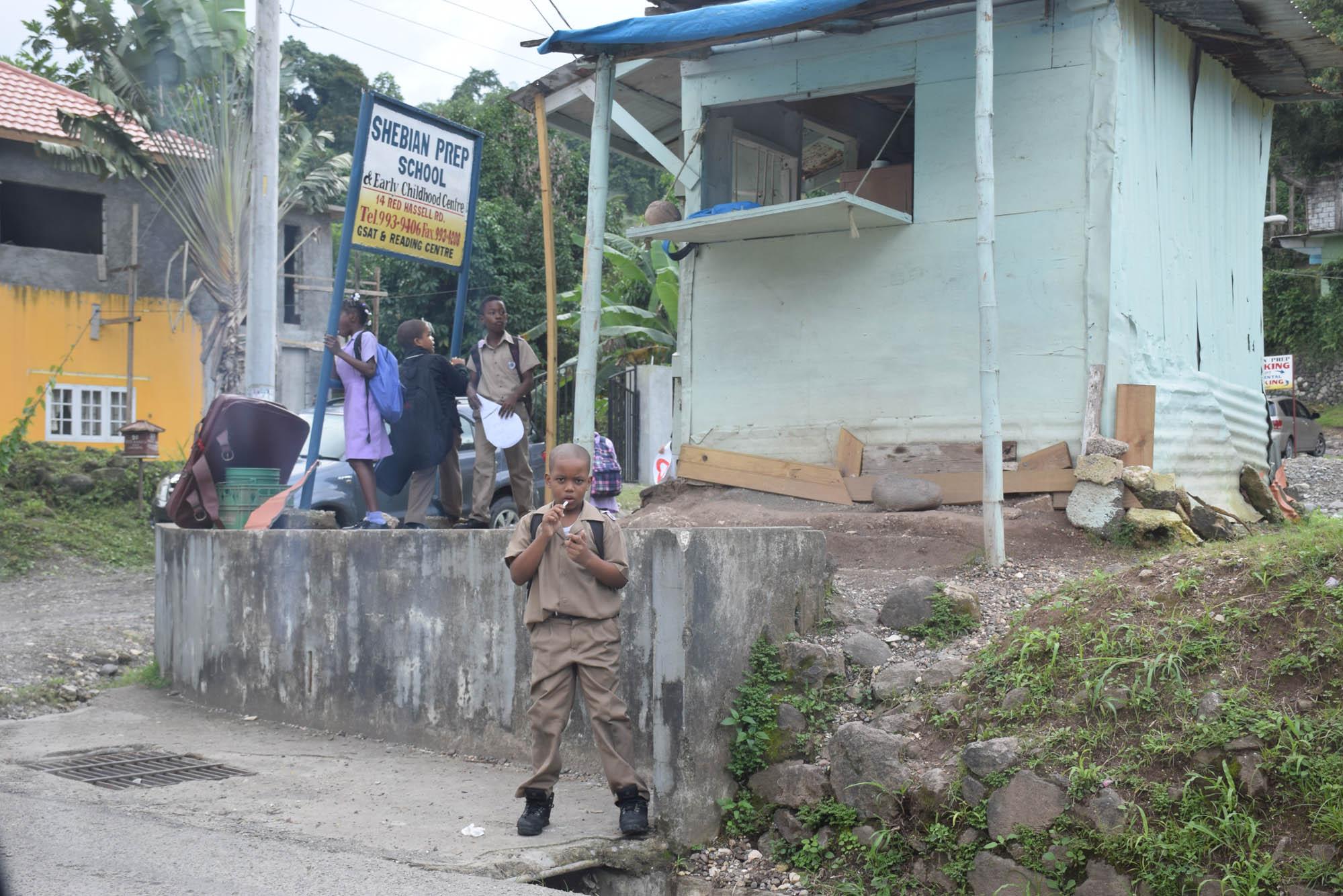 Pelos vilarejos até chegar no local de abordagem no bamboo raft...