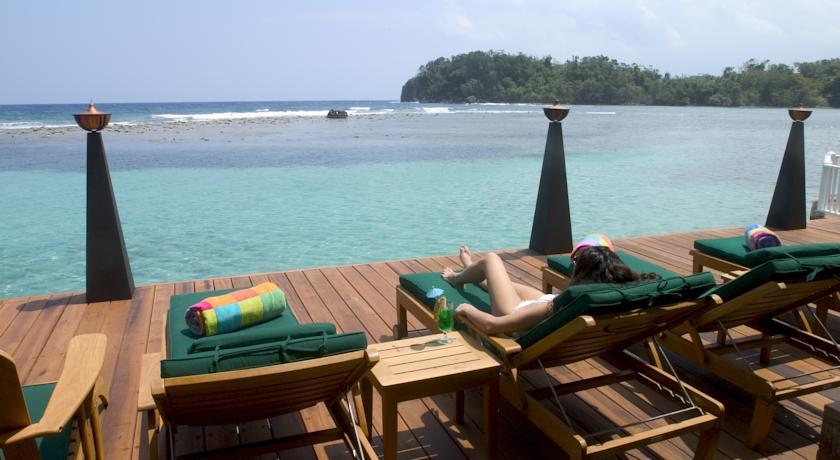bonne-amie-villa-por-antonio-blue-lagoon-hotel-jamaica-03