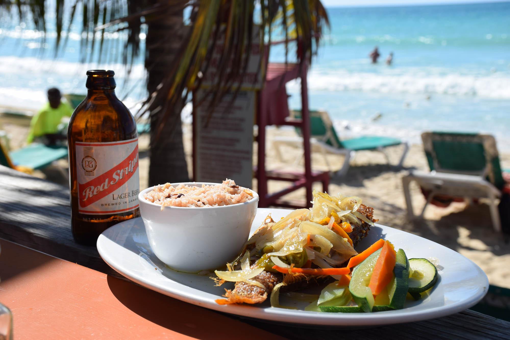 Escovitch Fish do Restaurante-Hotel Kuyaba, na Seven Mile Beach, Negril