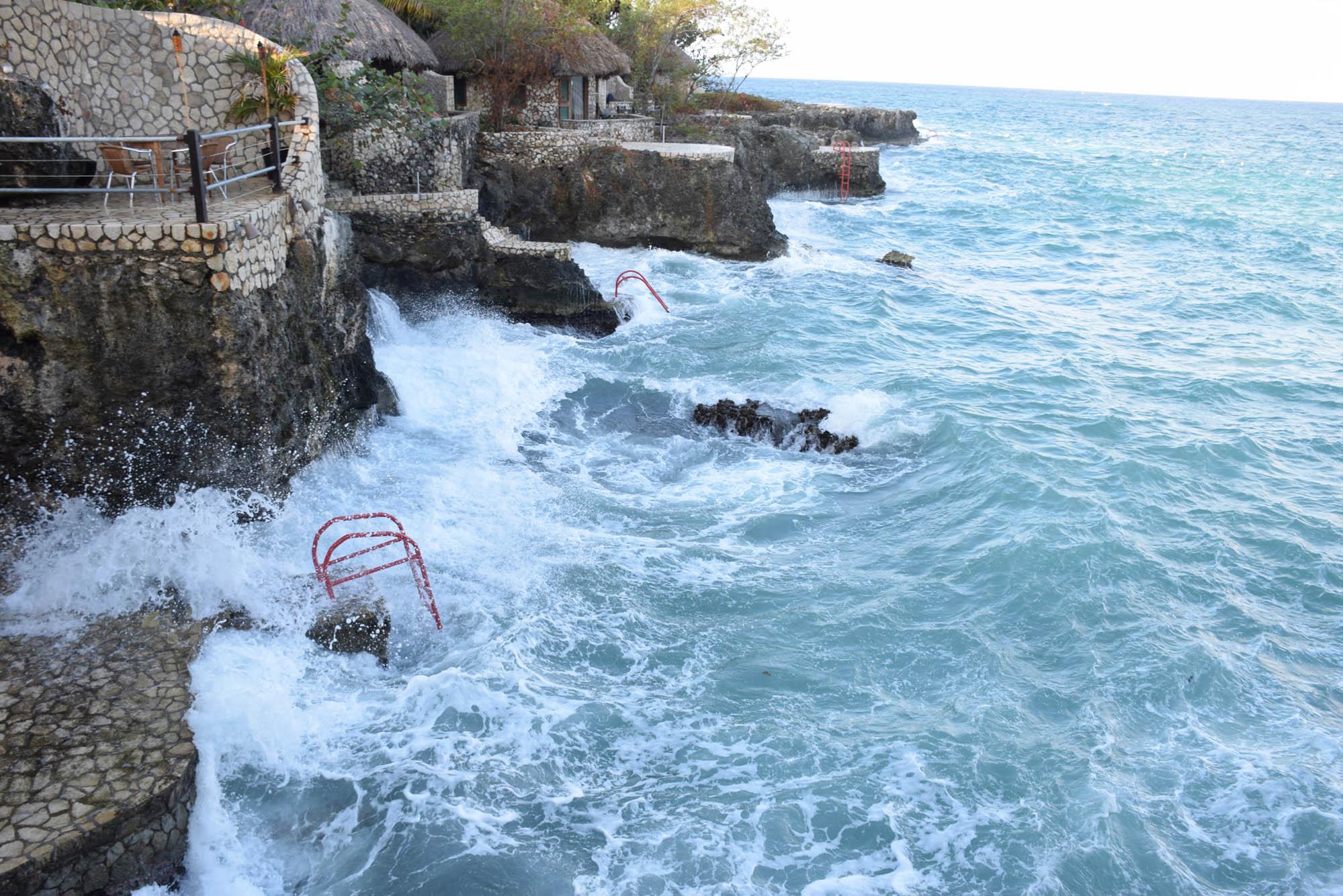 ... E um outro não tão bonito assim, com o mar SUPER agitado!!