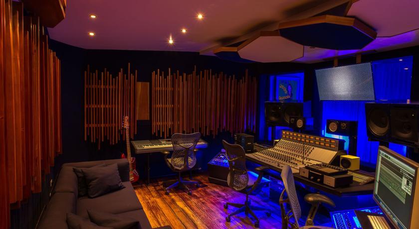 O estúdio particular do Hotel Geejam, no qual Gwen Stefani e Drake já gravaram! | Port Antonio - Jamaica