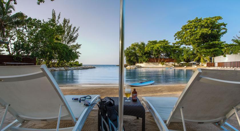 Praia privada do Trident Hotel Port Antonio