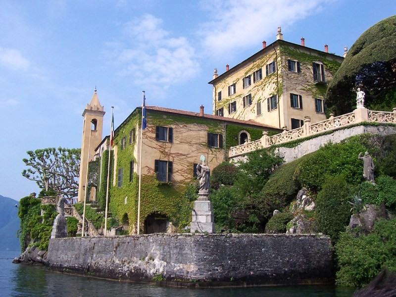 Villa del Balbianello - Lago di Como | Photo by MarkusMark - Own work, CC BY-SA 3.0