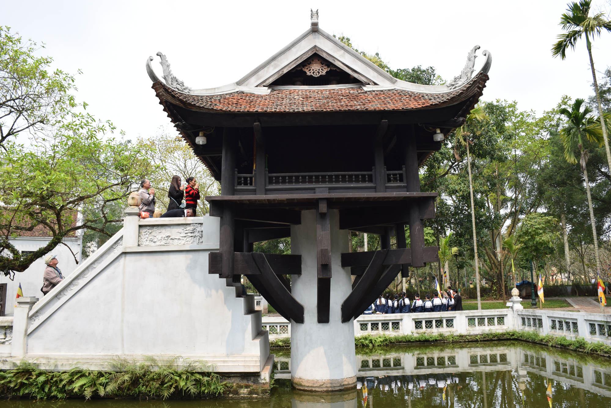 One Pillar Pagoda, dentro do Complexo Ho Chi Minh, em Hanoi - pequenininha, porém super sagrada.