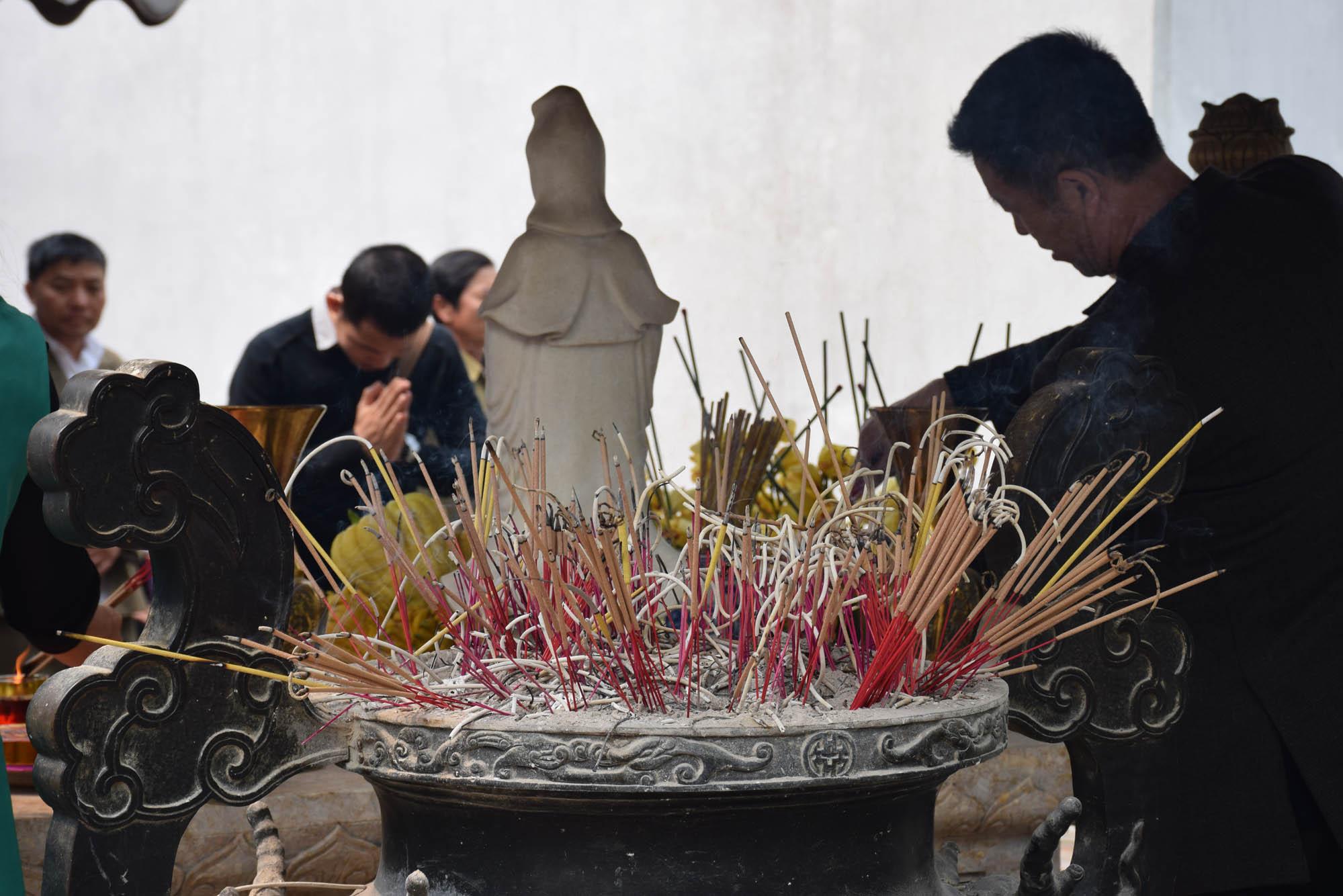 one-pillar-pagoda-ho-chi-minh-complex-hanoi