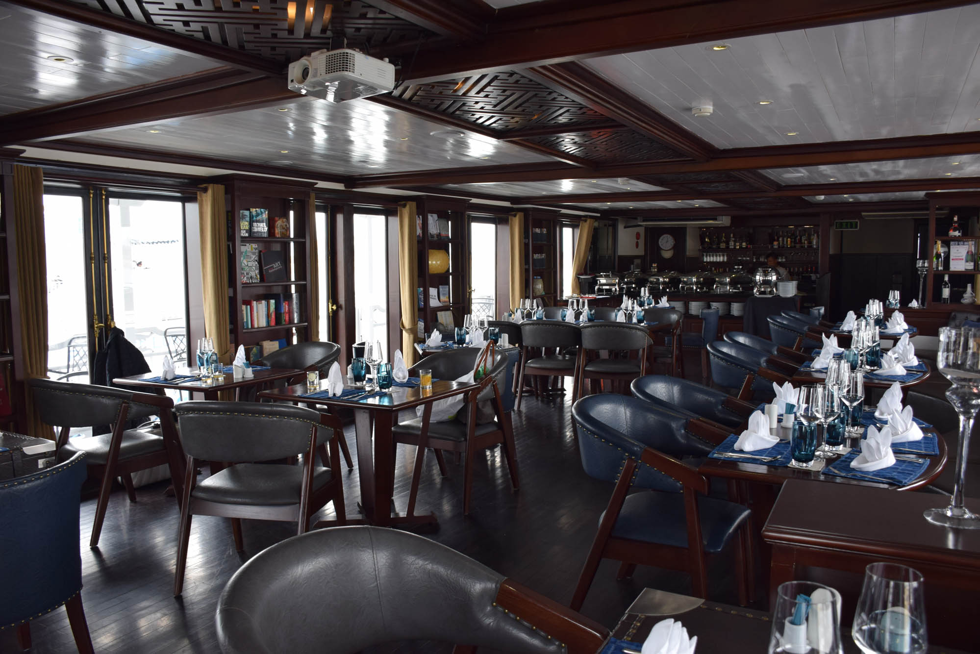 Restaurante do barco - Paradise Luxury Cruise - Halong Bay