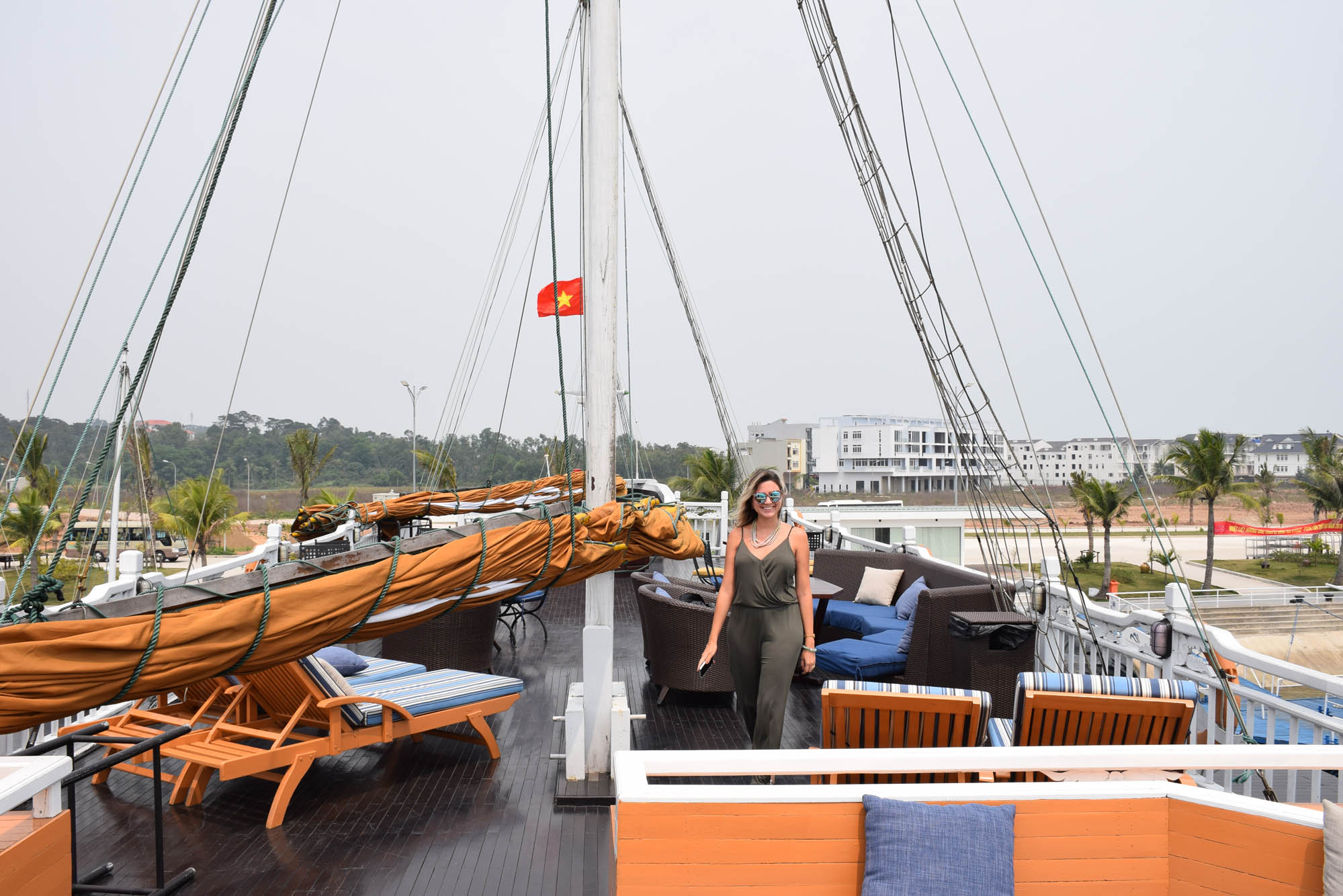 paradise-luxury-cruise-vietna-barco-halong-bay