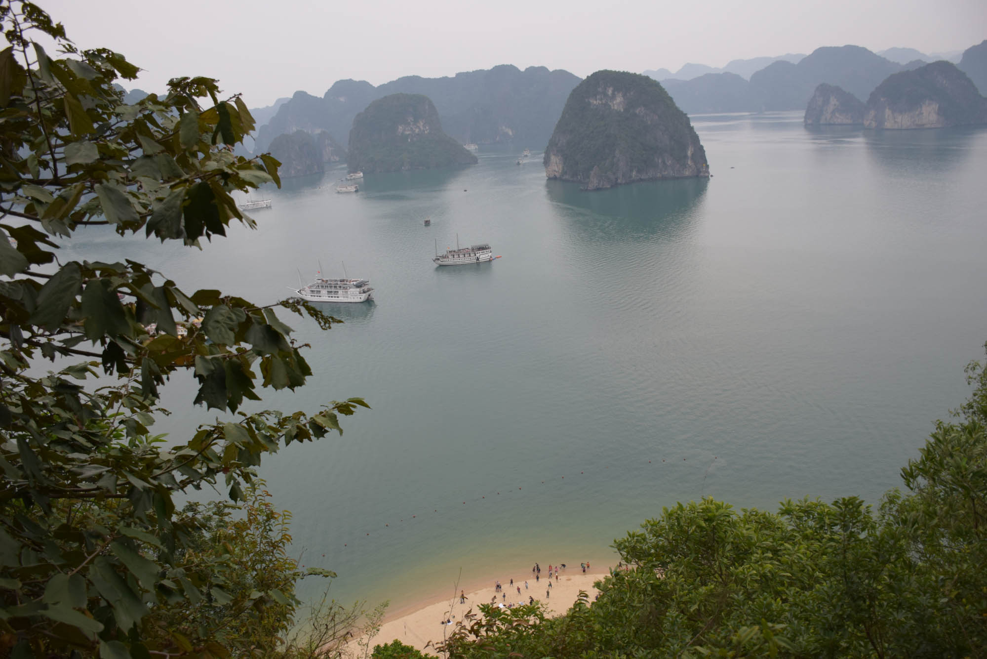 ti-top-island-halong-bay-mirante-vietna