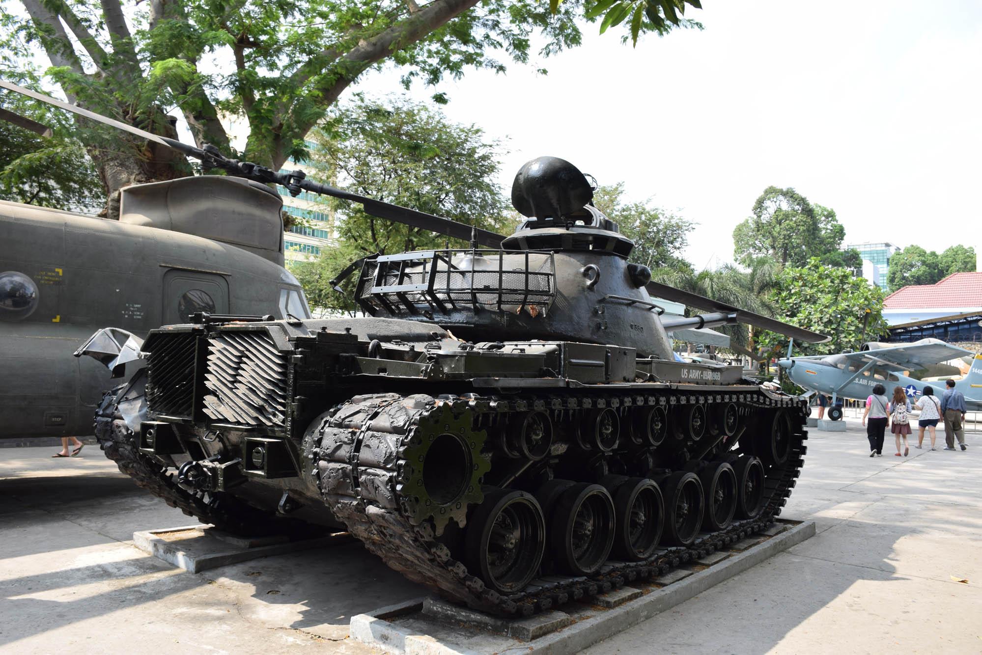 Alguns dos armamentos, tanques e aeronaves utilizadas pelos EUA na guerra