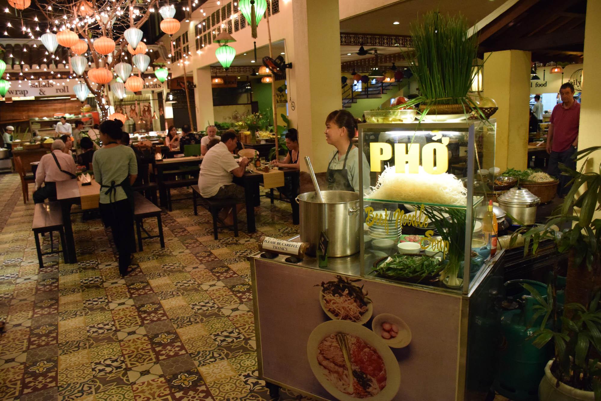 Carrinho de Pho - o prato mais famoso do Vietnã!
