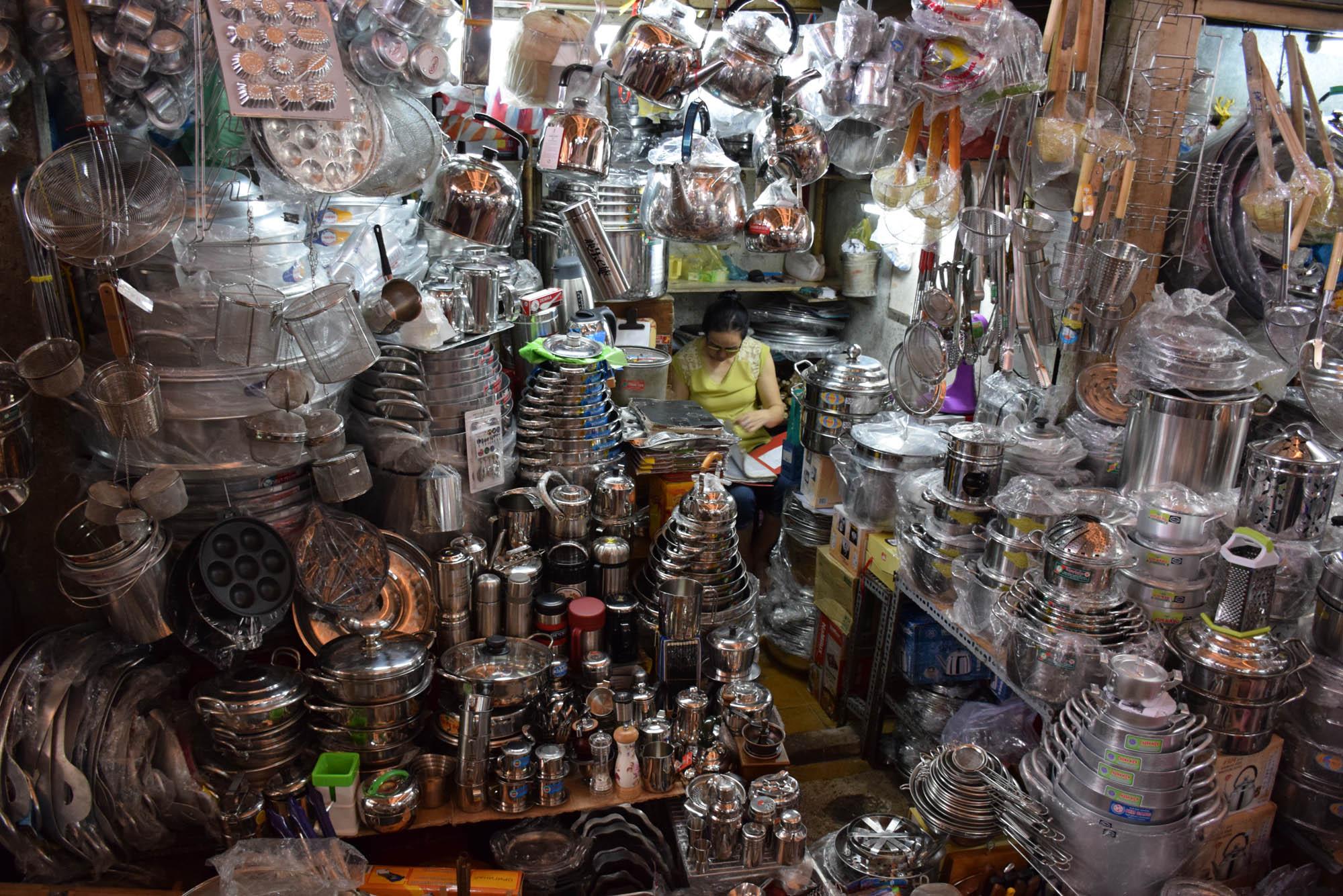 ben-thanh-market-vietnam-saigon