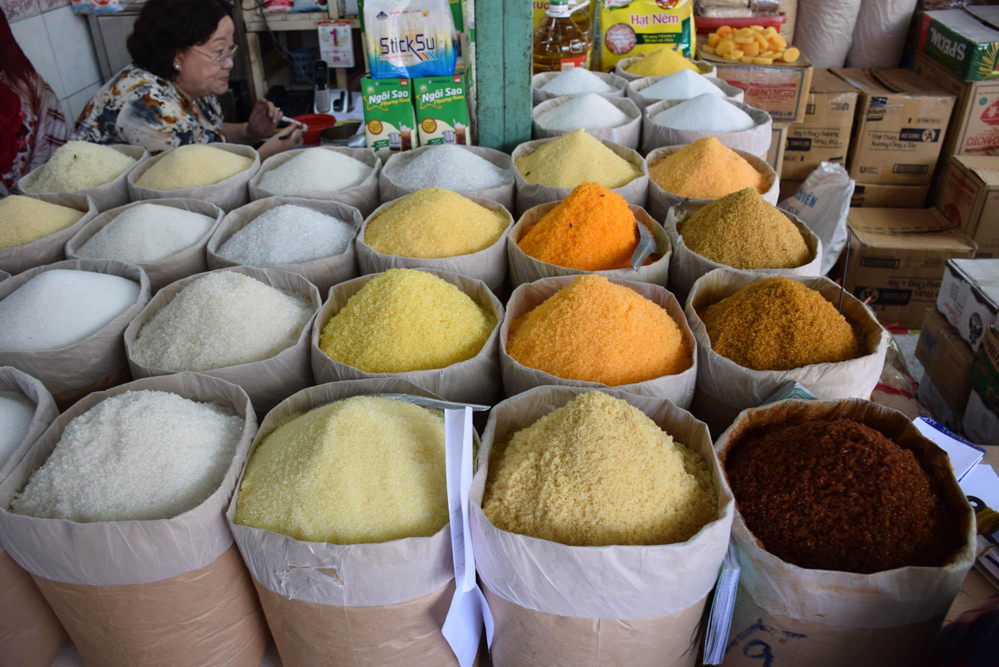 Tudo isso é AÇÚCAR!!! | Ben Thanh Market, Saigon
