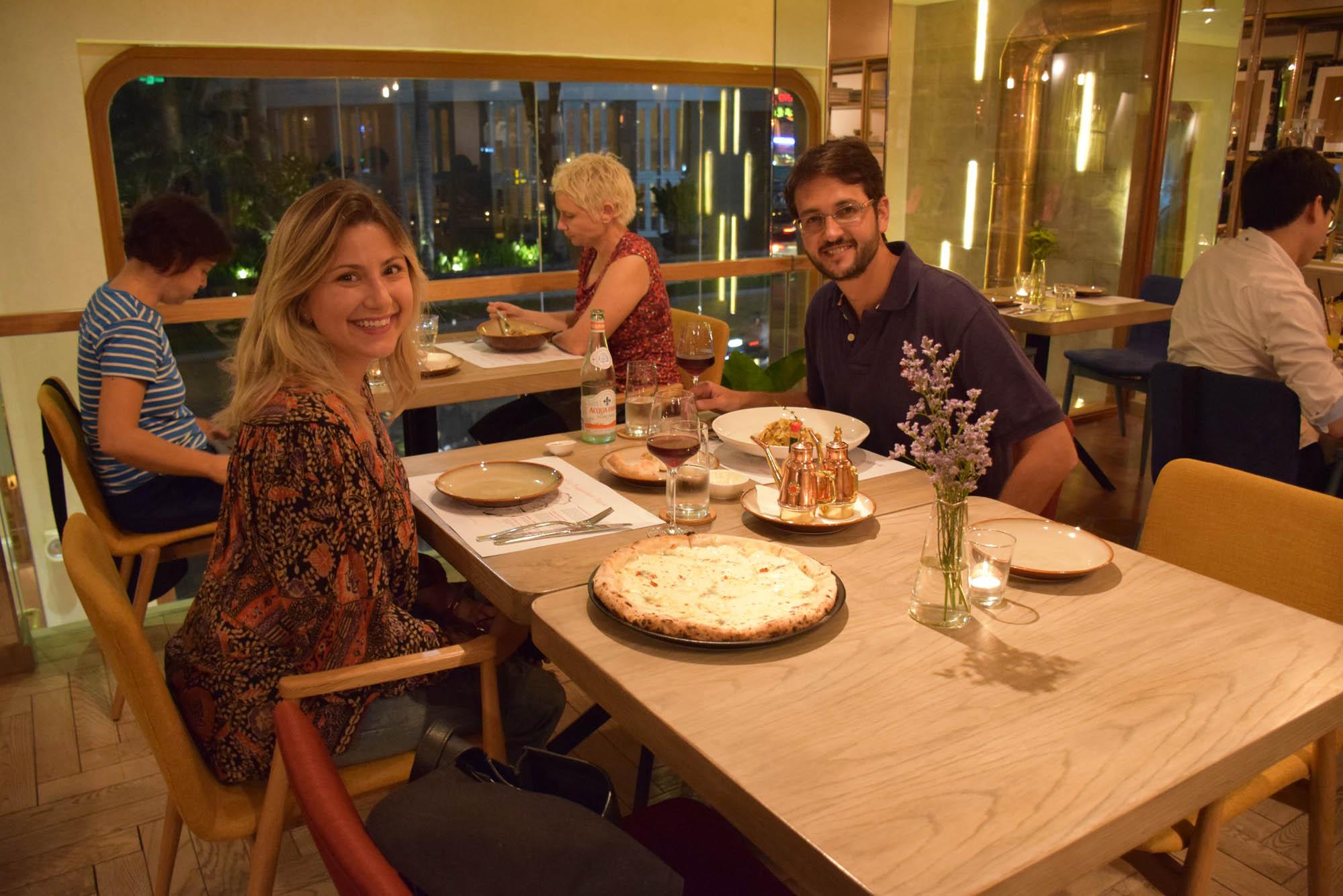 Delícia de pizza e de massinha no Restaurante NAMO, em Saigon