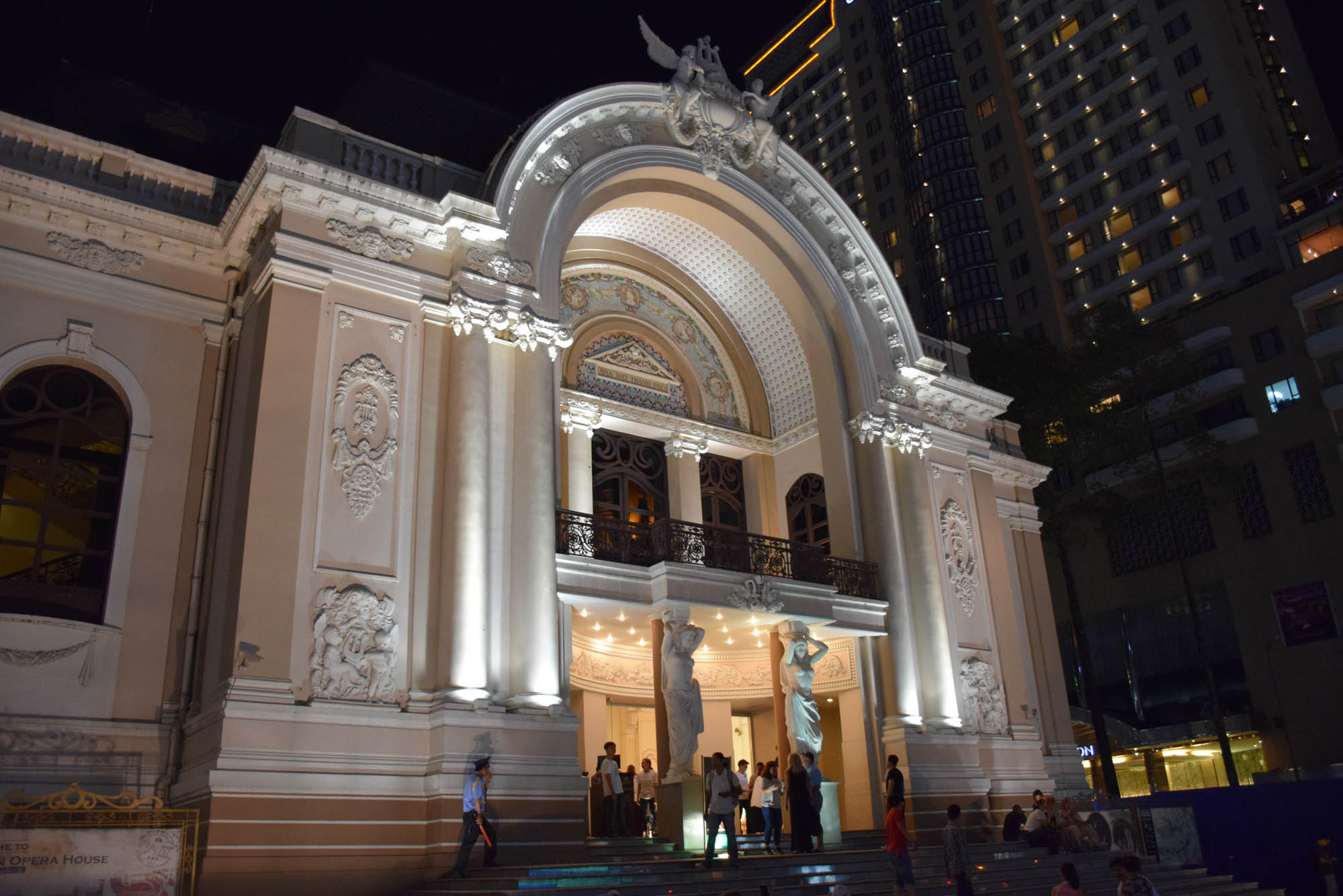 opera-house-saigon-ho-chi-minh-city