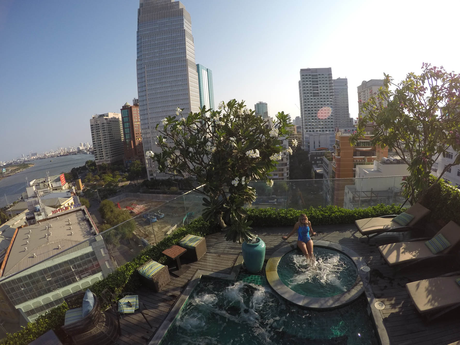 Piscina no rooftop do Silverland Jolie Hotel & Spa, no Distrito 1 de Ho Chi Minh City (Saigon)