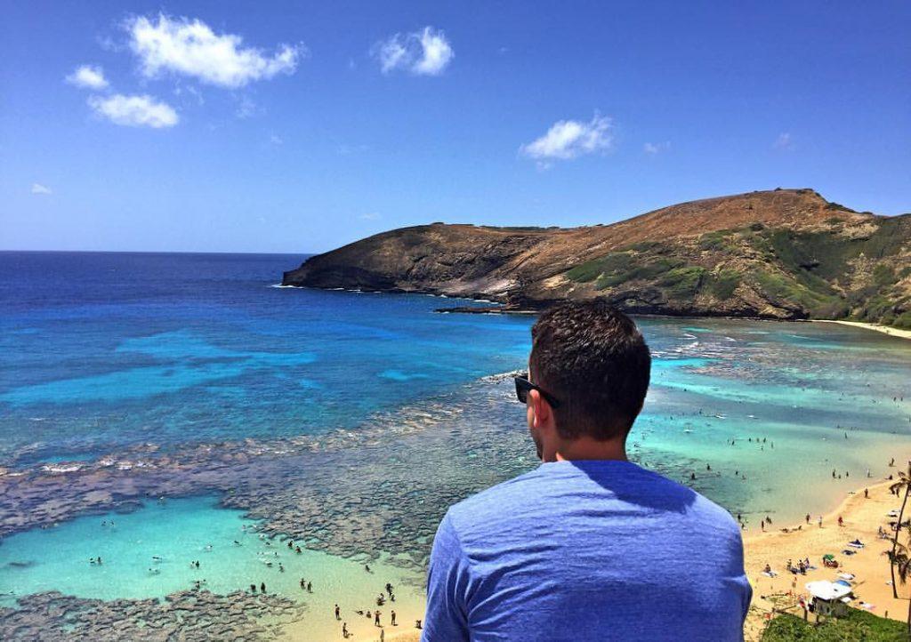 Meu irmão, Gustavo, em Hanauma Bay, na ilha de Oahu