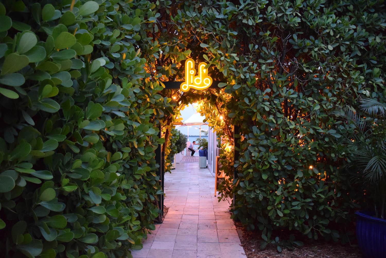 Entrada do restaurante Lido Bayside Grill, no The Standard Hotel & Spa, em Miami Beach